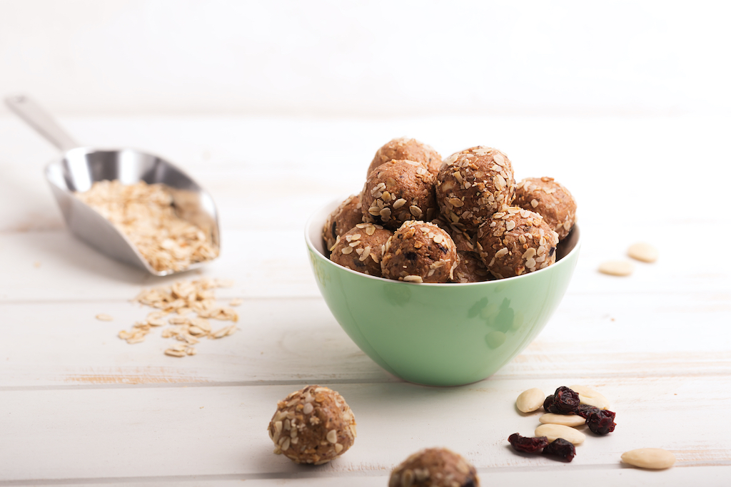 Oatmeal Chocolate Chip Protein Bites