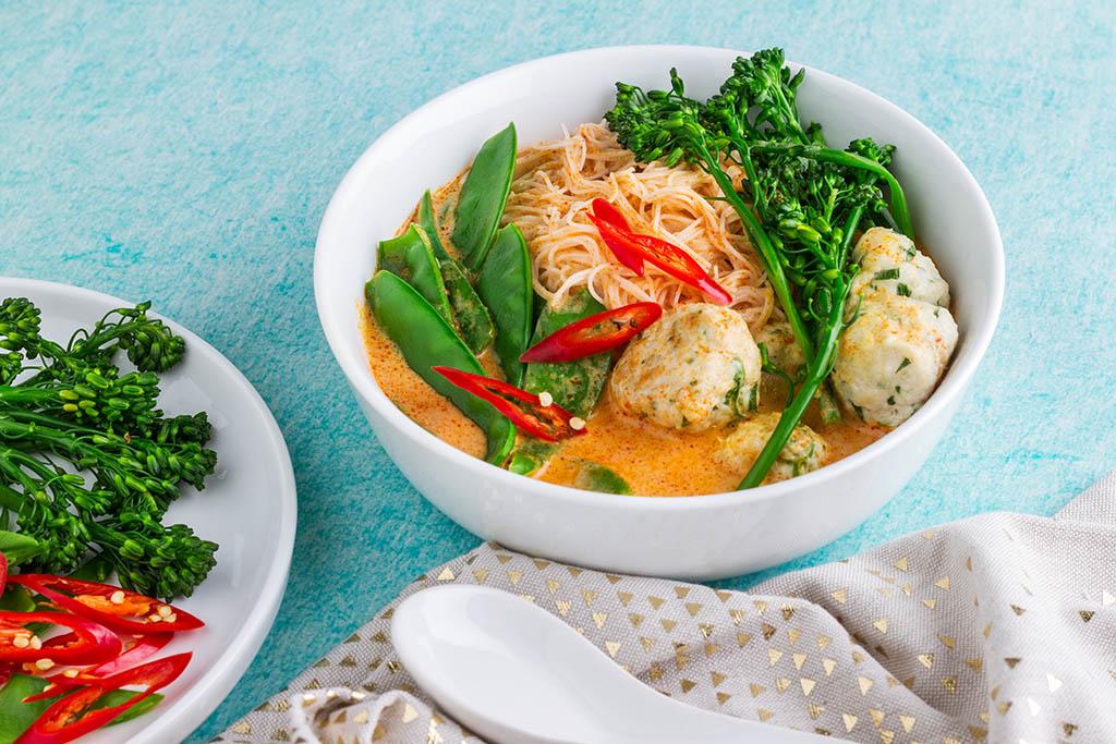 Healthy Laksa with Chicken Meatballs Recipe