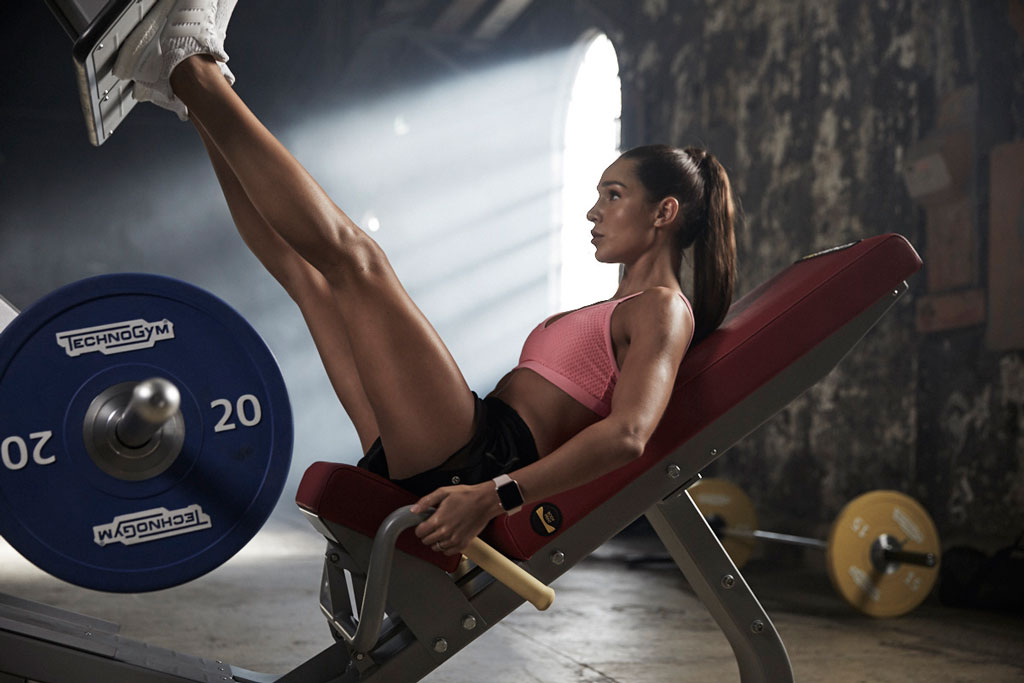 20 Best Leg Workouts For Women: Home & Gym