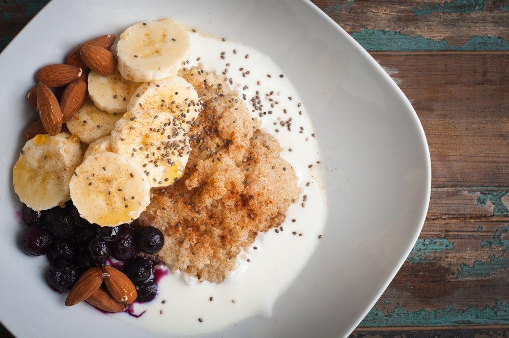 Quinoa porridge with  yoghurt and banana